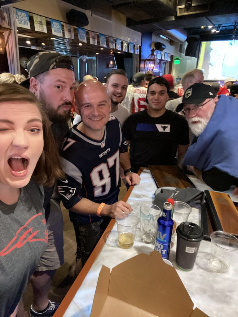 Super Bowl LIV Party im Batch mit noch mehr Freunden